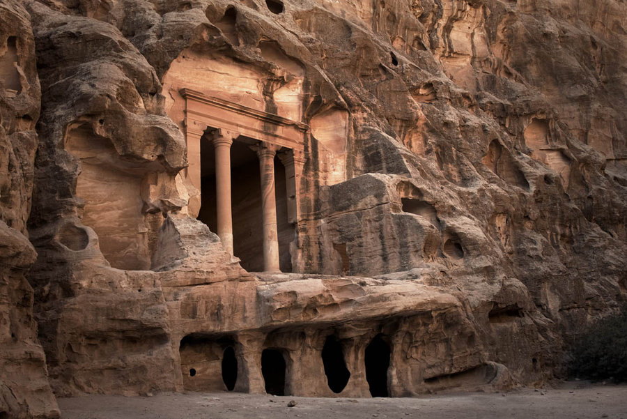 little_petra_by_ruthsantcortis.jpg